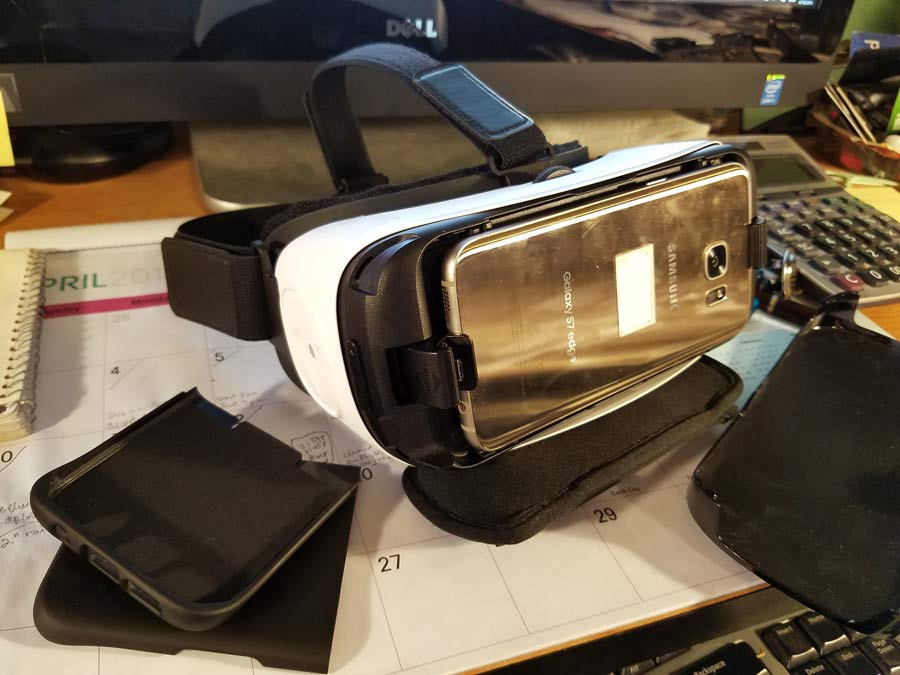 example of a HMD device